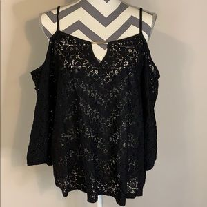 Lily White Cold Shoulder 3/4 Sleeve Size L